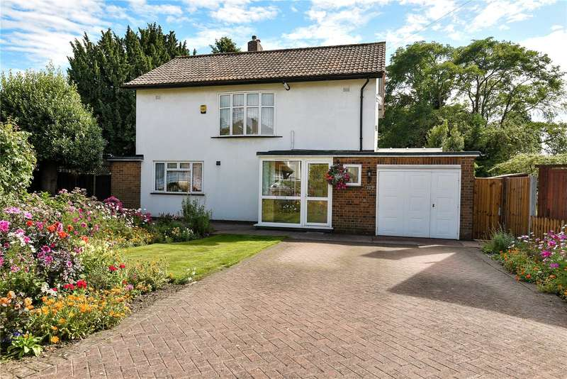 4 Bedrooms Detached House for sale in The Hermitage, Uxbridge, Middlesex, UB8