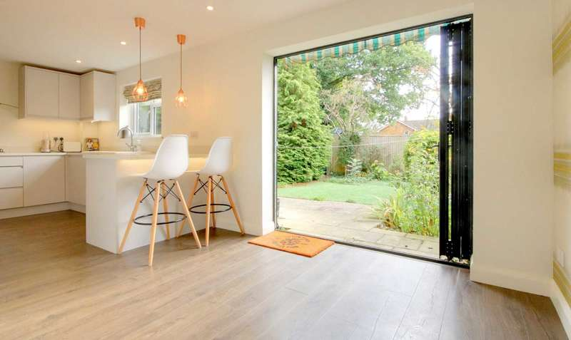 3 Bedrooms House for sale in APPROACHING 1100 SQ FT & WITH GARAGE IN HP1