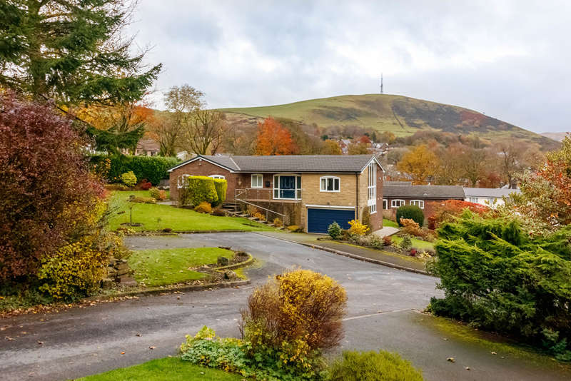 4 Bedrooms Detached House for sale in Sharon Avenue, Grasscroft, Saddleworth
