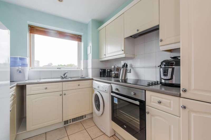 2 Bedrooms Flat for sale in Bruford Court, Deptford, SE8