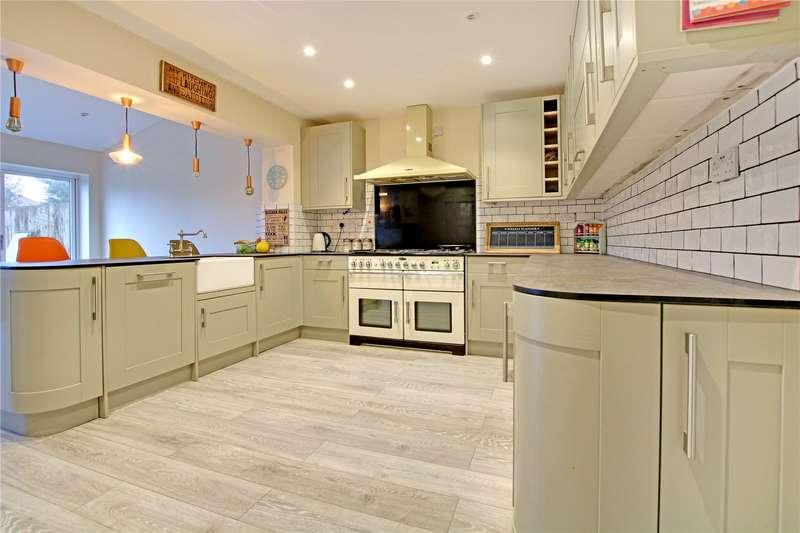6 Bedrooms Semi Detached House for sale in Wheeler Avenue, Upper Stratton, Swindon, Wiltshire, SN2