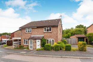 3 Bedrooms Semi Detached House for sale in Green Way, Tunbridge Wells, Kent