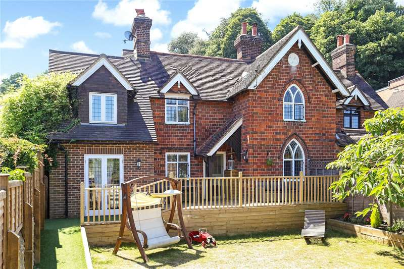 3 Bedrooms Semi Detached House for sale in Pound Lane, Godalming, Surrey, GU7