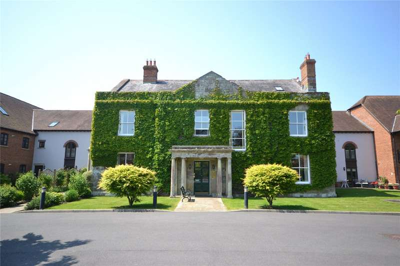 2 Bedrooms Flat for sale in Motcombe Grange, Motcombe, Shaftesbury, Dorset, SP7