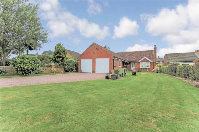 4 Bedrooms Bungalow for sale in The Paddock, Highgate Lane, Normanby By Spital, Lincoln