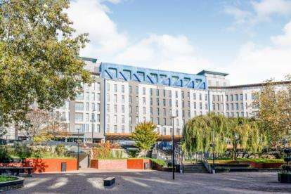 2 Bedrooms Flat for sale in Apartments, St. James Barton, Bristol, Somerset