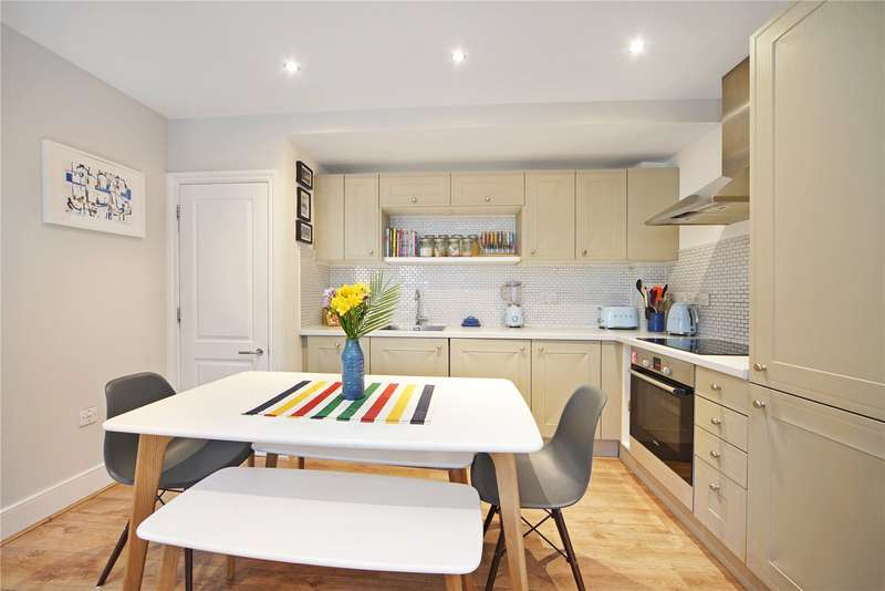 1 Bedroom Flat for sale in Denning Mews, Clapham South, London, SW12
