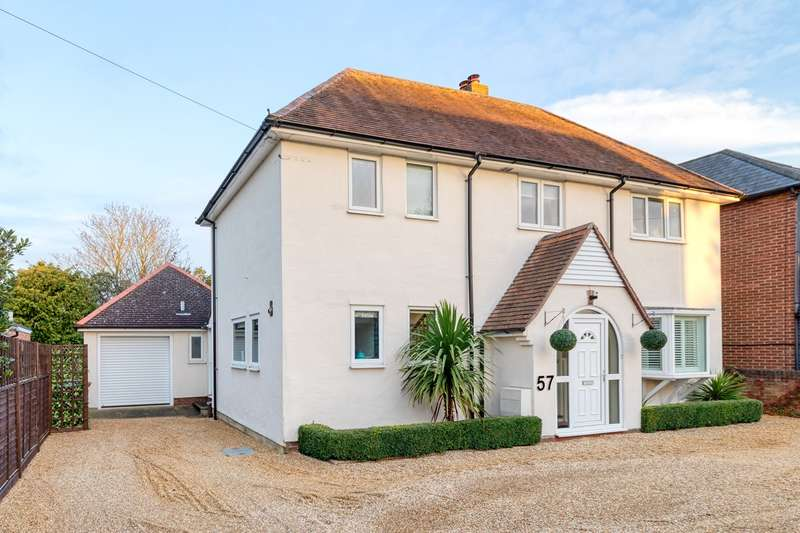 4 Bedrooms Detached House for sale in Old North Road, Royston, SG8