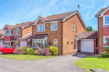 4 Bedrooms Detached House for sale in Hanover Drive, Chislehurst