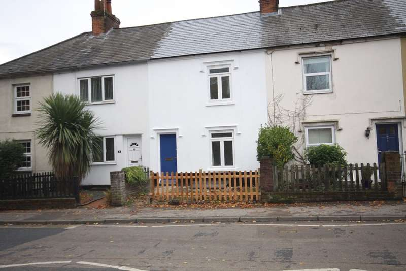2 Bedrooms Terraced House for sale in St. Johns Road, Berkshire