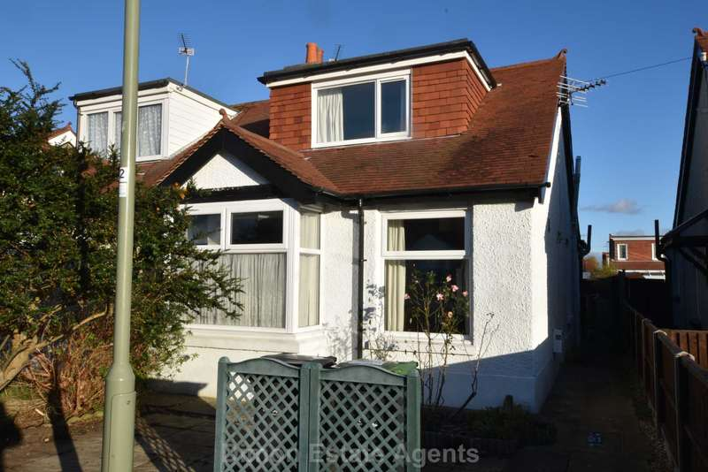 3 Bedrooms Semi Detached House for sale in Westcroft Road, Gosport