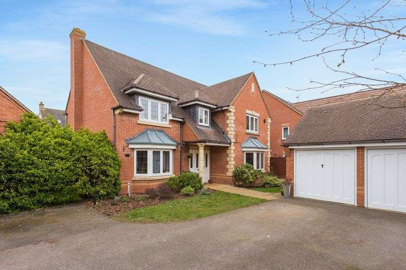 5 Bedrooms Detached House for sale in Coltsfoot Leyes, Bicester, OX26