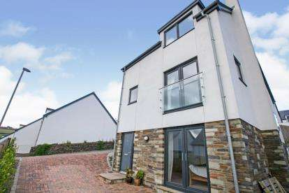 4 Bedrooms Detached House for sale in Perranporth, Cornwall