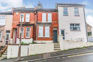 3 Bedrooms Terraced House for sale in Cecil Road, Rochester, Kent, England