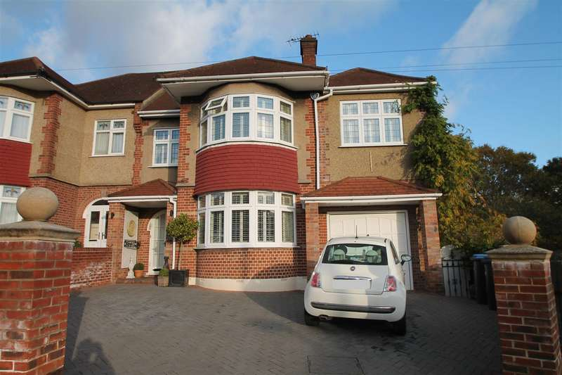 5 Bedrooms Semi Detached House for sale in Lakenheath, London N14