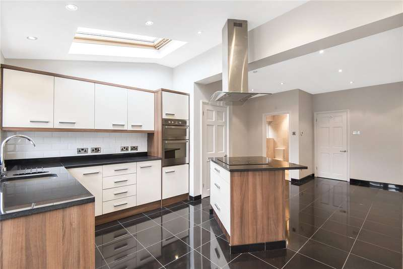 3 Bedrooms Semi Detached House for sale in Dawley Road, Hayes, Middlesex, UB3