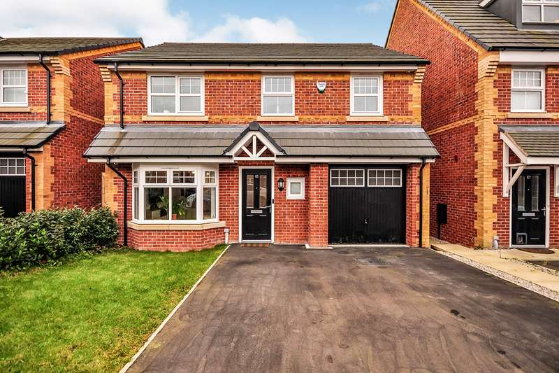 4 Bedrooms Detached House for sale in Horse Chestnut Drive, Manchester, Greater Manchester, M9