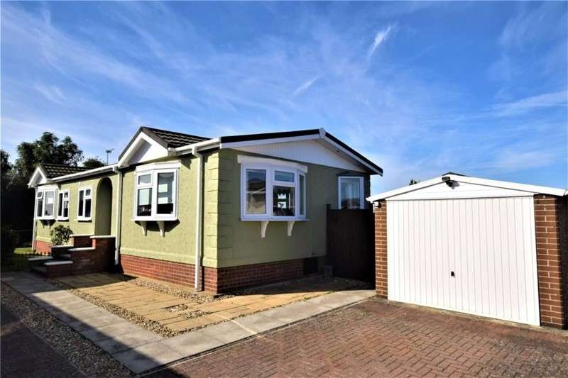 3 Bedrooms Property for sale in Marina View, Dogdyke, Lincoln, Lincolnshire, LN4 4UT