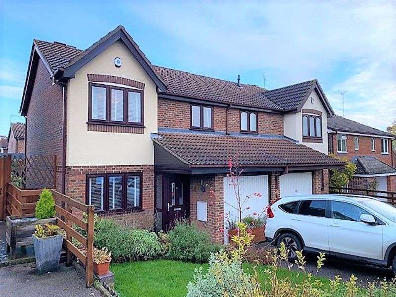 3 Bedrooms Property for sale in Poundfield Way Twyford, Reading