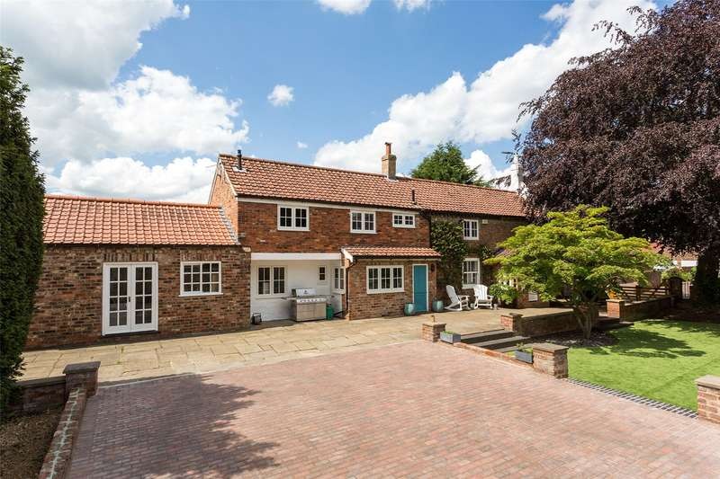 5 Bedrooms Detached House for sale in Church Lane, Nether Poppleton, York, YO26