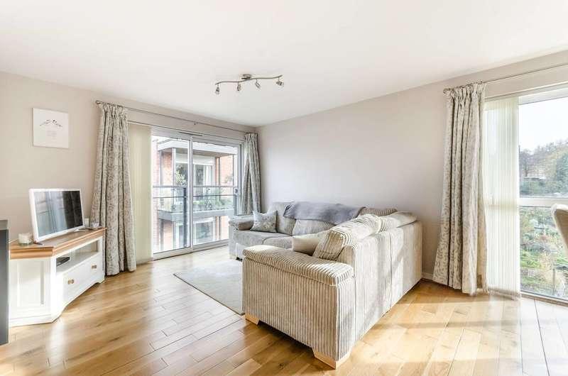 2 Bedrooms Flat for sale in Highwood Close, East Dulwich, SE22