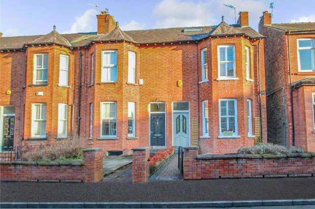 4 Bedrooms End Of Terrace House for sale in Ashfield Road, Altrincham
