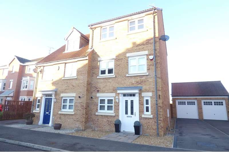 4 Bedrooms Property for sale in Sandringham Meadows, South Beach, Blyth, Northumberland, NE24 3AN