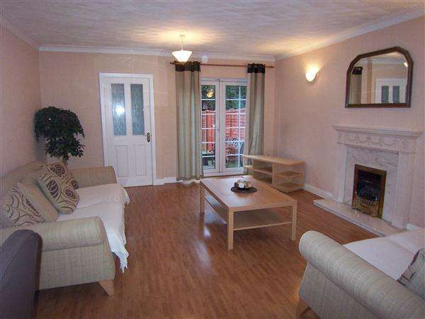 3 Bedrooms Town House for sale in Runnymede, Kingsway, Huyton, Liverpool