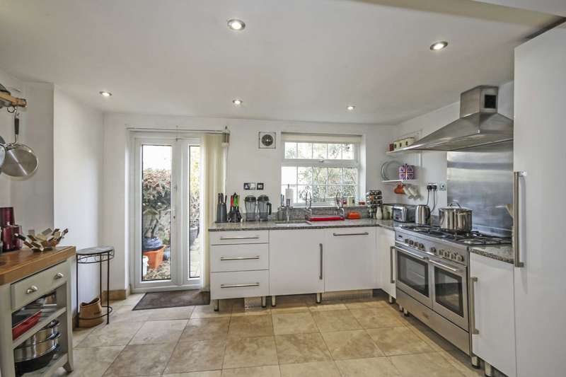 3 Bedrooms Terraced House for sale in Sun Street, Billericay