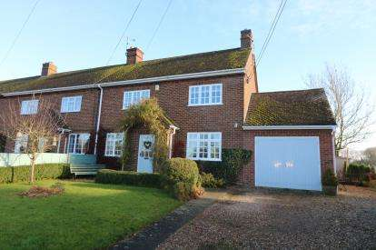 3 Bedrooms End Of Terrace House for sale in Parsons Close, Willey, Rugby, Warwickshire
