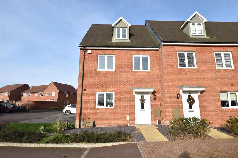 3 Bedrooms End Of Terrace House for sale in Redwing Place, Jennett's Park, Bracknell, Berkshire, RG12