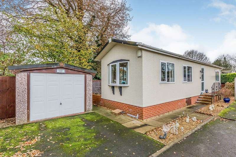 2 Bedrooms Park Home Mobile Home for sale in The Oaks Mount Pleasant Residential, Goostrey, Crewe, CW4