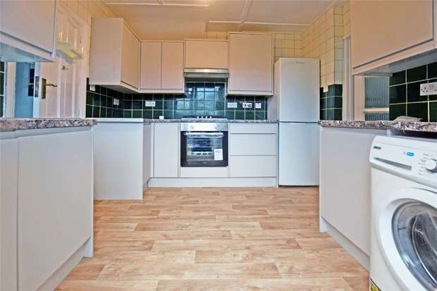 3 Bedrooms Semi Detached House for rent in Herga Road, Harrow, Greater London