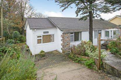 4 Bedrooms Bungalow for sale in Mullion, Helston, Cornwall