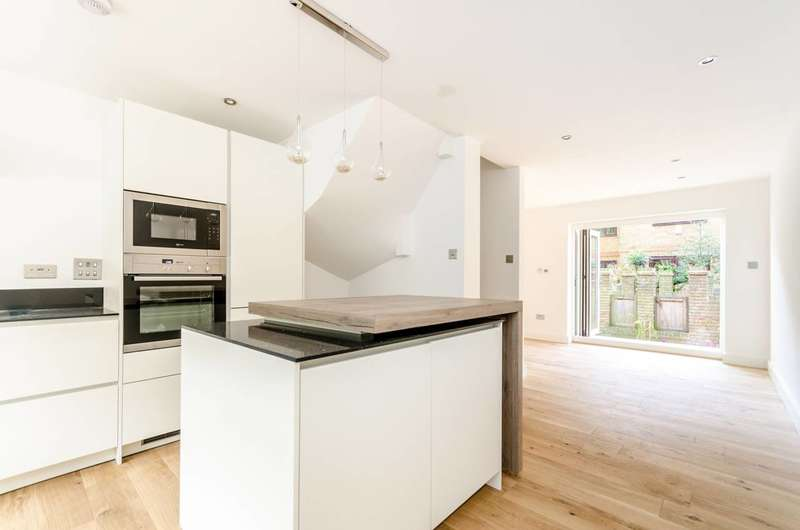 4 Bedrooms House for sale in Brunswick Quay, Canada Water, SE16