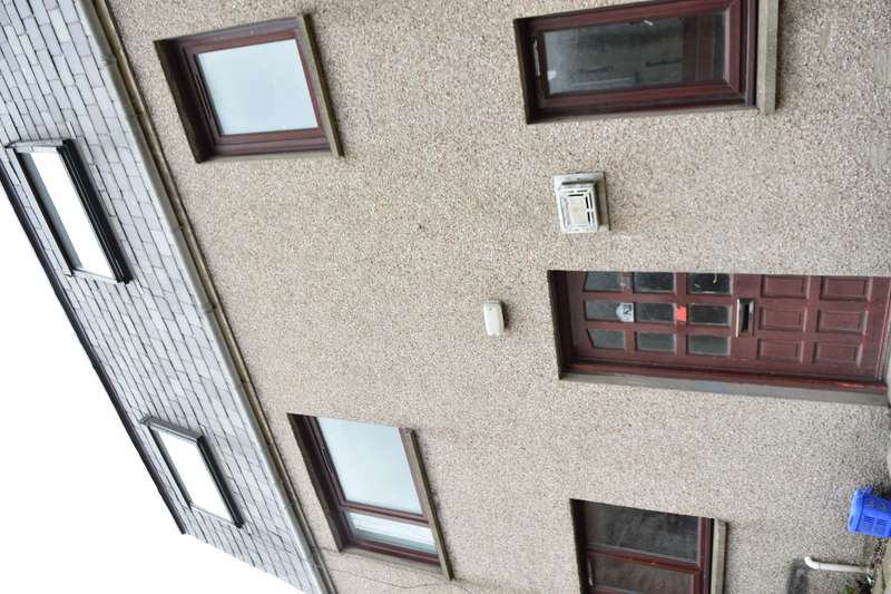 2 Bedrooms Semi Detached House for sale in Saint Peter Street, Peterhead, AB42