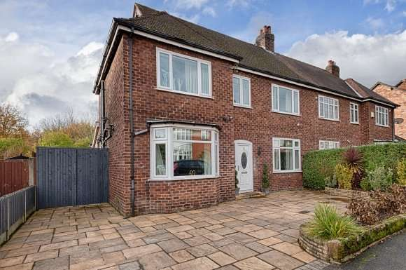 4 Bedrooms Detached House for sale in Cecil Road, Hale