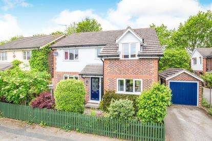 4 Bedrooms Detached House for sale in The Chase, Knaresborough, North Yorkshire