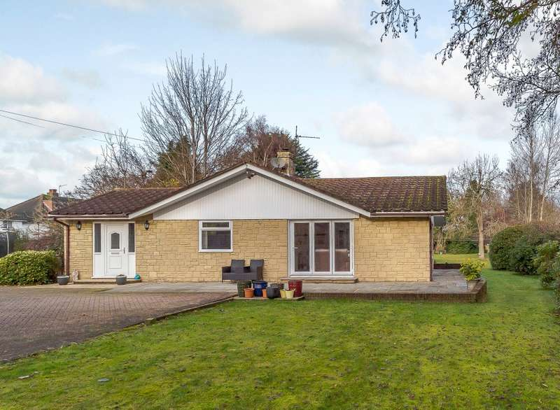 5 Bedrooms Detached Bungalow for sale in New Haw Road, Addlestone, KT15