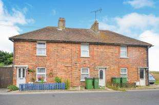 2 Bedrooms Terraced House for sale in Southview Cottages, Robin Hood Lane, Lydd, Romney Marsh