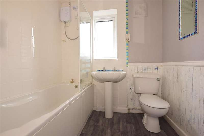 2 Bedrooms End Of Terrace House for sale in Japonica Close, , Lords Wood, Chatham, Kent