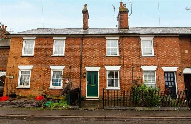 2 Bedrooms Terraced House for sale in Chevening Road, Chipstead, Sevenoaks, Kent