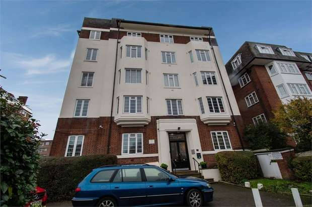 3 Bedrooms Flat for sale in Shoot Up Hill, London