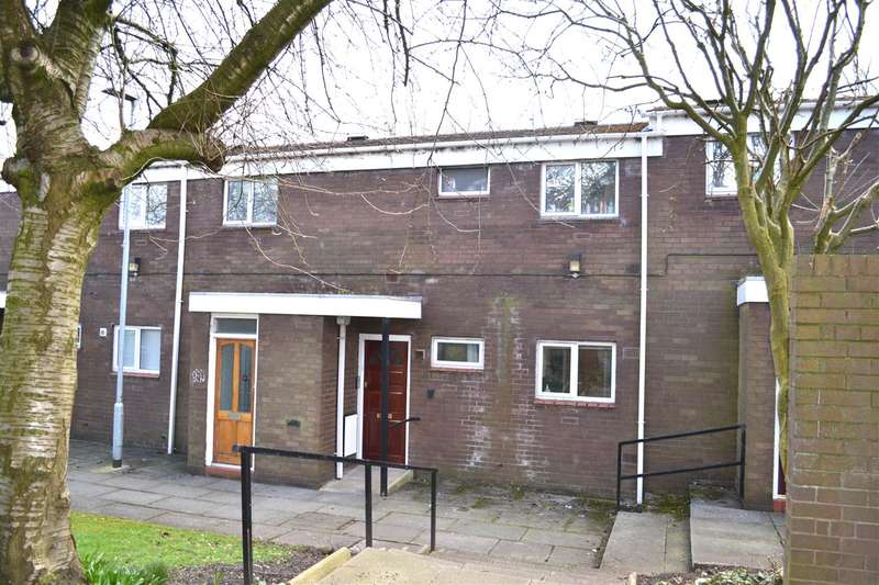 2 Bedrooms Ground Flat for sale in Orchard Close, Leigh, Greater Manchester. WN7 1NY