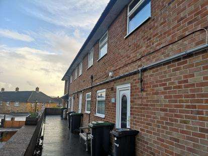 2 Bedrooms Flat for sale in Gosport, Hampshire