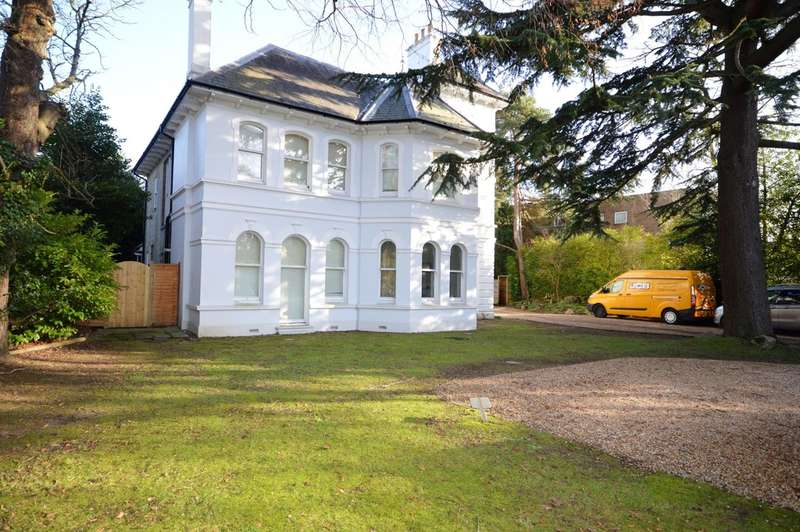 2 Bedrooms Ground Maisonette Flat for sale in Wimborne Road, Bournemouth
