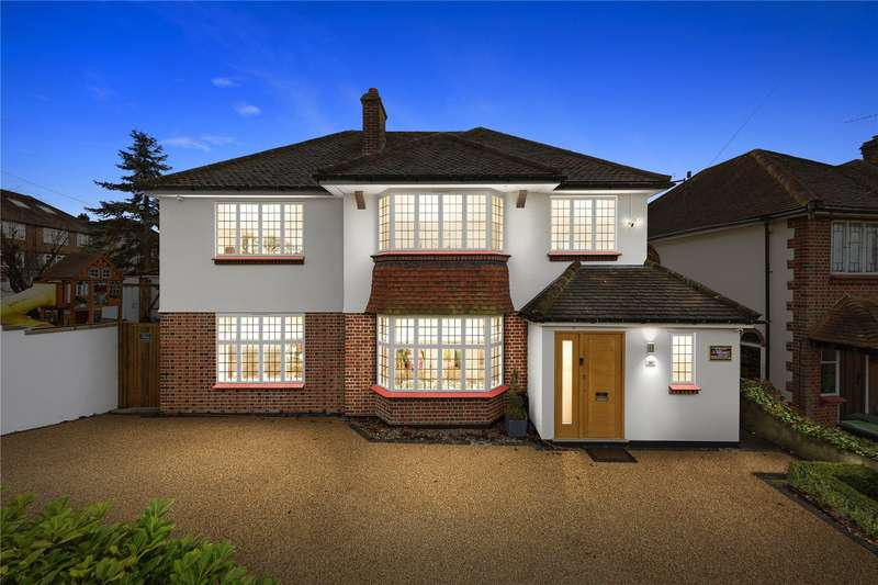 4 Bedrooms Detached House for sale in Starling Close, Buckhurst Hill, Essex, IG9