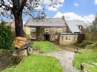 4 Bedrooms Detached House for sale in Beaminster, Dorset
