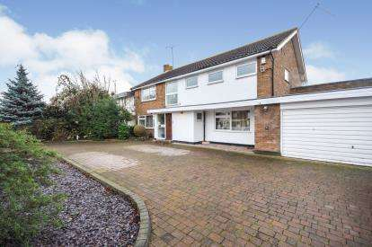 5 Bedrooms Detached House for sale in Thorpe Bay, Essex, .