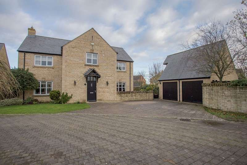 5 Bedrooms Detached House for sale in Carysfort Close, Yaxley, Peterborough, Cambridgeshire. PE7 3ZG